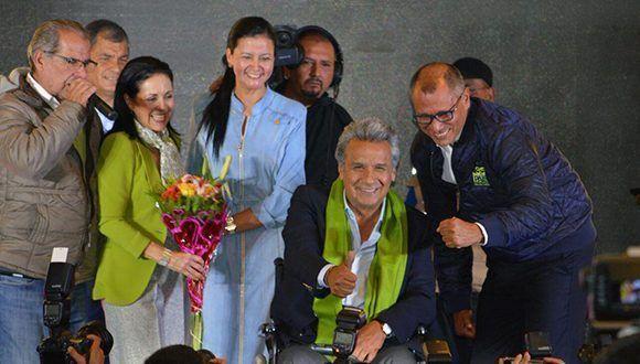 Los vencedores de Alianza PAIS, el vicepresidente Jorge Glas (der.) y a su lado, el presidente Lenín Moreno. Foto: @JorgeGlas/ Twitter.