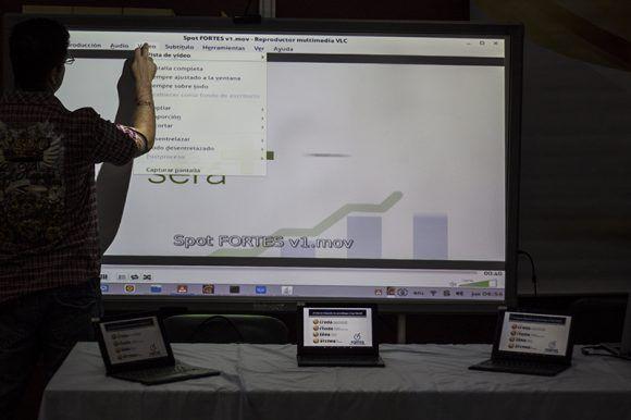 Aula tecnológica. Foto: L Eduardo Domínguez/ Cubadebate.