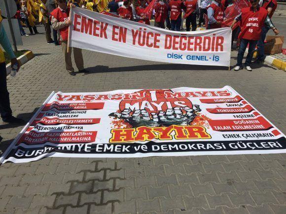 marcha-por-el-primero-de-mayo-en-turquia-foto-aydecan60