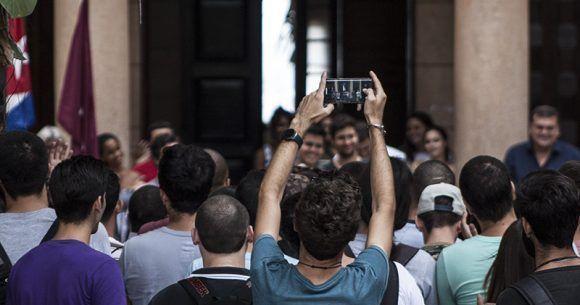 El recibimiento de MatCom. Foto: L Eduardo Domínguez/ Cubadebate.