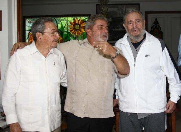 """Raúl, Lula y Fidel en 2010. Fuente: Sitio """"Fidel Soldado de las Ideas"""""""