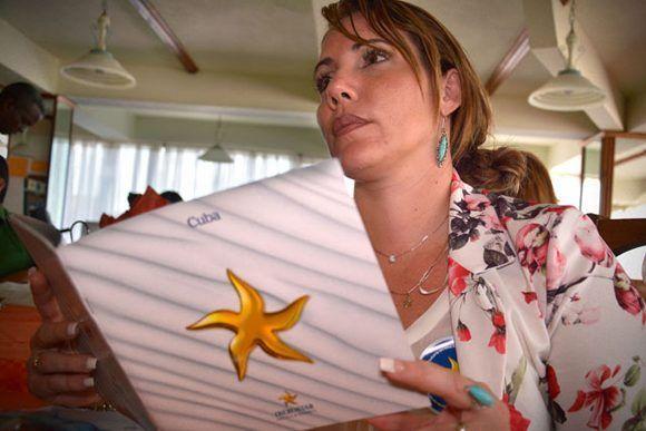 Presentación del producto turístico Iberstar dirigido al mercado interno en la etapa de verano, promocionado ante agencias de viajes, ejecutivos de venta y turoperadores , en la ciudad de Holguín, Cuba, el 2 de junio de 2017. ACN FOTO/Juan Pablo CARRERAS