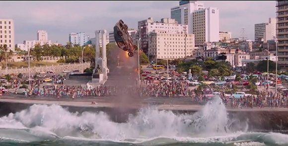 """Escena de """"The Fate of the Furious"""", octava película de la saga """"Rápido y Furioso"""", filmada en La Habana. Foto: Captura de pantalla."""
