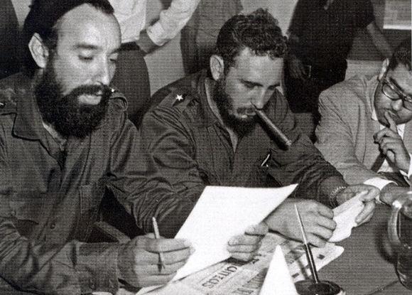 Fidel junto a Antonio Núñez Jiménez. Foto: Fidel Soldado de las Ideas.