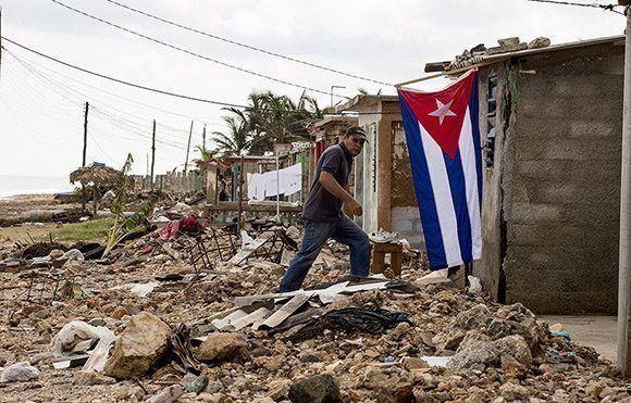 barrio-el-machete-en-santa-cruz-del-sur-afectado-por-huracan-irma-01-580x371