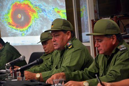 En su condición de Presidente del Consejo de Defensa Provincial, Félix Duarte Ortega, miembro del Comité Central del Partido y primer secretario en la provincia, instó a preverlo todo, sobre todo las acciones de evacuación de la población que reside en lugares apartados y de difícil acceso.