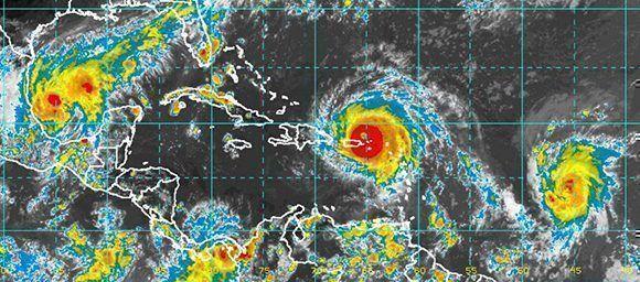 De izq a der: Katia, Irma y José: tres huracanes en una misma región del planeta. Imagen. NOAA/ Vía INSMET.