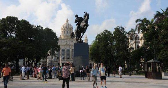 Réplica de la estatua ecuestre del Héroe Nacional cubano José Martí, obra de la artista estadounidense Anna Hyatt Huntington, en el Parque Plaza 13 de Marzo. Foto: Omara García/ ACN.