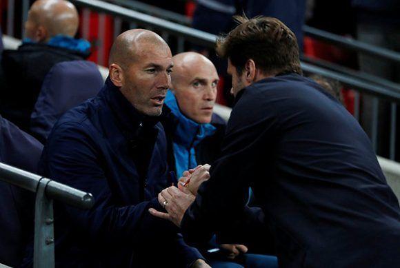 Zidane y Pochetino se saludan antes del partido. Foto: Action Image.
