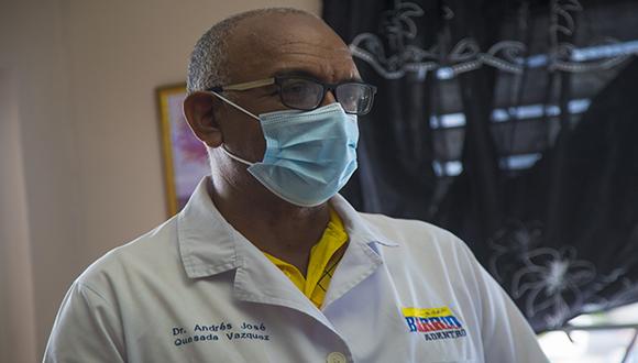Doctor Andrés José Quesada Vázquez en Bayamo. Foto: Ismael Francisco/ Cubadebate.