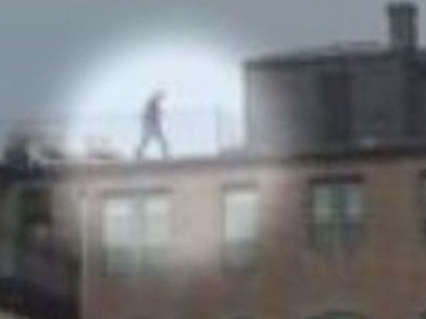 man on the roof at Boston Maracthon explosion