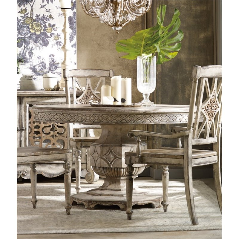 Hooker Furniture Chatelet Round Extendable Dining Table In