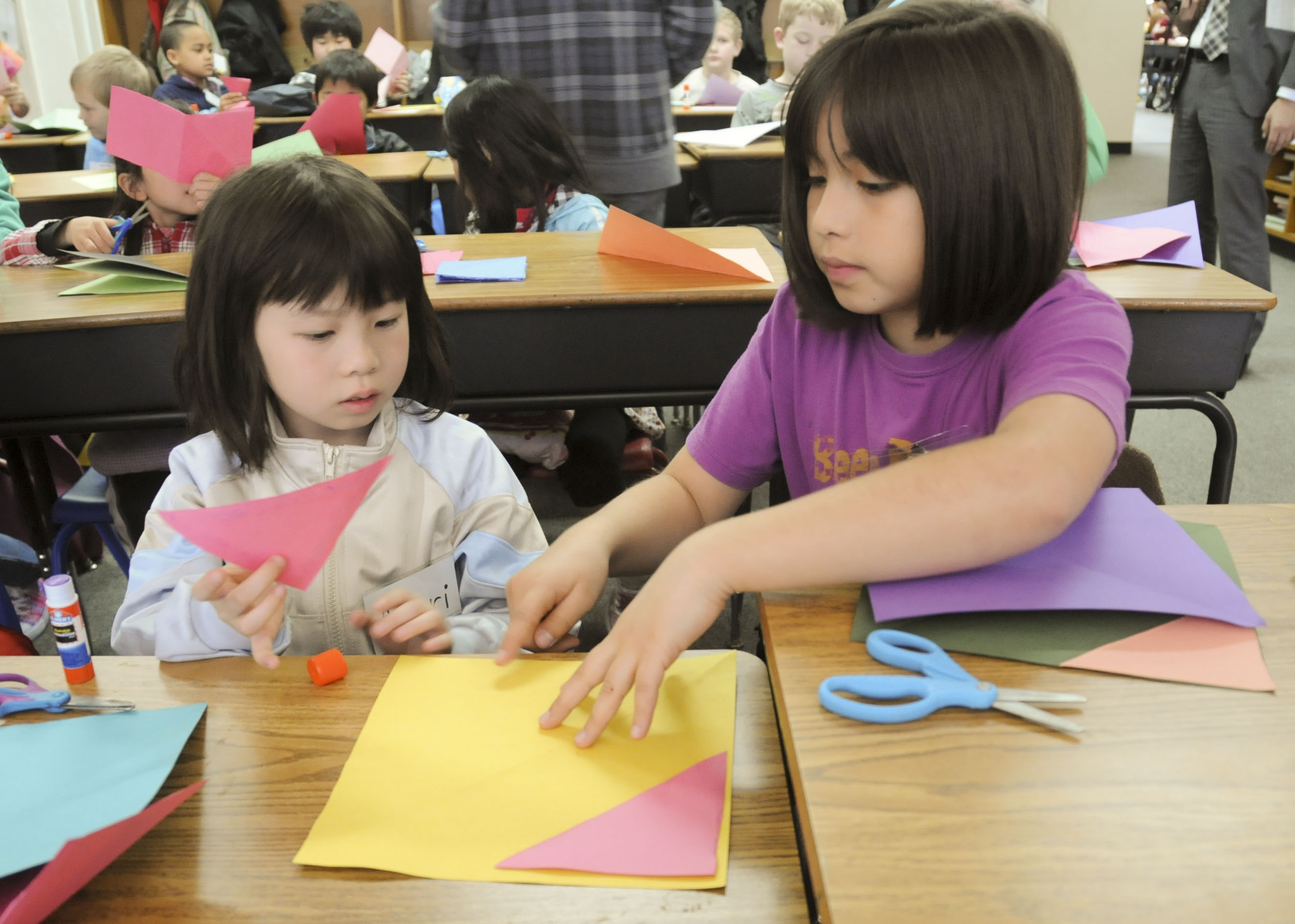 Japanese Children Experience American School For The Day