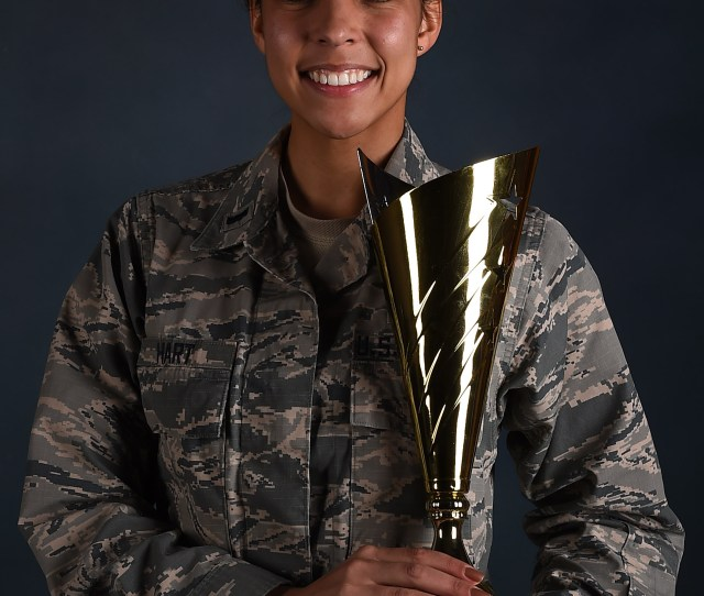 1st Lt Jamielynn Hart 2nd Space Warning Squadron Deputy Flight Commander And Space Operations