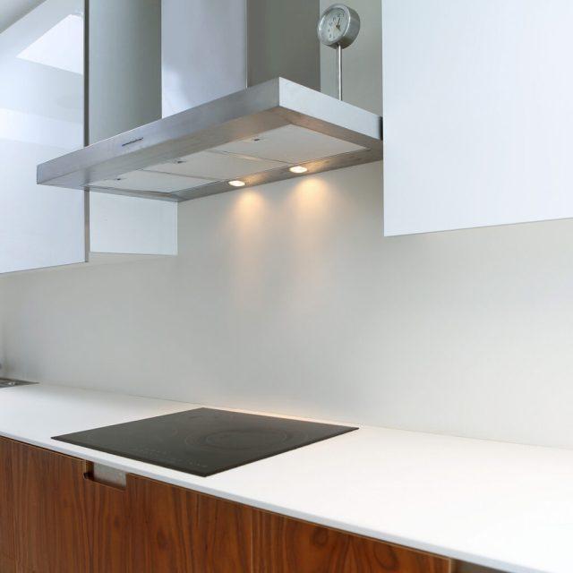 Laminat Tezgah, Başka Bir Mutfak Tezgahı Türüdür, Retro, Her Yerde ve Parlak Doymuş Renklerle Gelir.