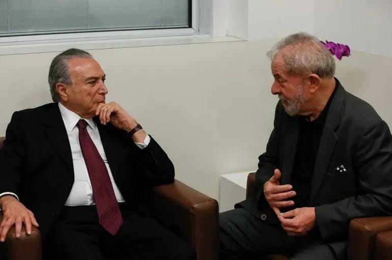 Lula da Silva reunido con el presidente brasileño Michel Temer el 02FEB17 en São Paulo.