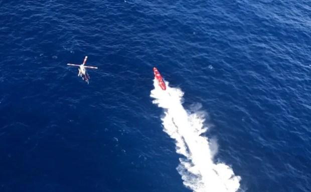 Vista aérea de la embarcación en la que se rompió el récord mundial de velocidad en el recorrido desde Cayo Hueso a La Habana.