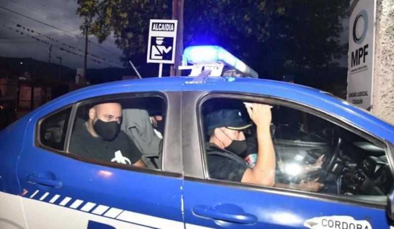 La autopsia de Ivana Módica arrojó macabros resultados. Foto de La Voz: Galván, siendo trasladado en La Falda, Córdoba