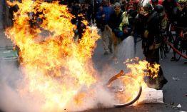 Der Nahe Osten fürchtet die Arabisierung der Gelbwesten: Im Bild ein brennendes Fahrrad in Paris bei Demonstrationen am vergangenen Wochendende.