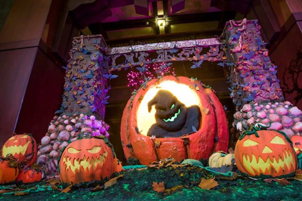 Disneyland Halloween Decor