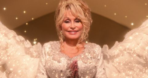 dolly-christmas-on-the-square-1605984230567.jpg