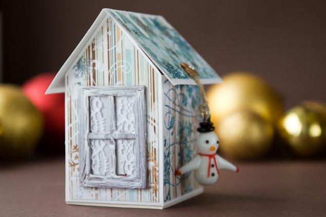 Жаңа жылдық картон үйі Өзіңіз жасаңыз: ғимараттар бірдей, бірақ әр түрлі