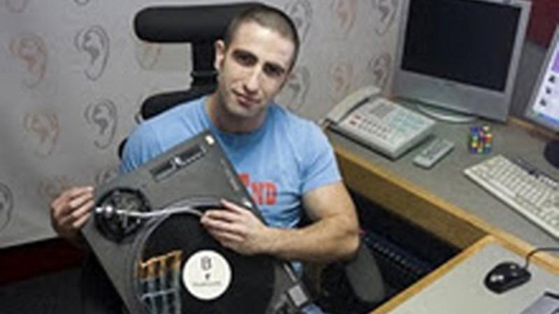 Cel mai citit blogger din Romania mixeaza o singura seara