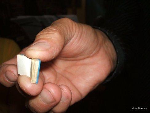Cele mai mici cărți din România 5