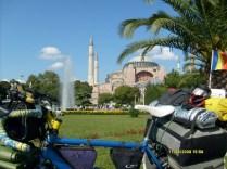 Bicicleta langa Hagia Sophia, Istanbul
