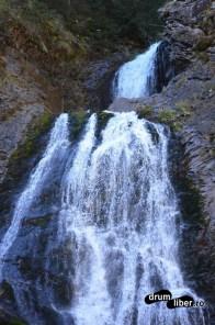 Cascada Vălul Miresei (Cascada Răchițele)