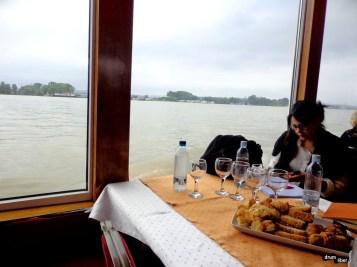Restaurant pe vas