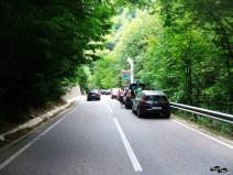Mașini, la cascada Bigăr