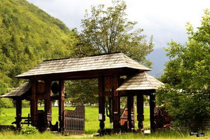 Porțile mănăstirii, mereu deschise