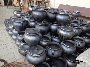 Ceramică neagră expusă