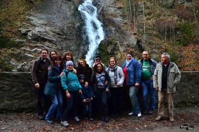 Poză de grup la Cascada Lotrișor