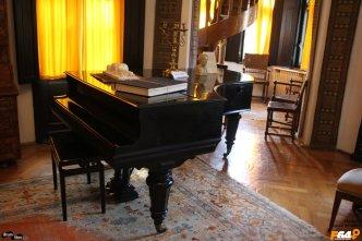 Pianul elvețian din salon