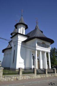 Biserica din sat