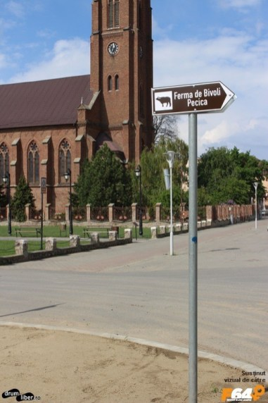 Ultimul indicator, imediat după biserica romano-catolică