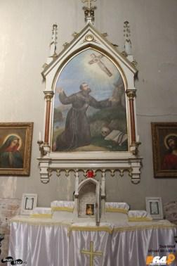 Interiorul bisericii romano catolice din Pecica