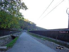 Drumul spre mănăstirea Nicula