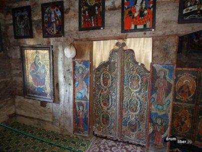Icoane vechi la Mănăstirea Nicula