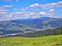 Sus la munte, la stâna de la Vatra Dornei