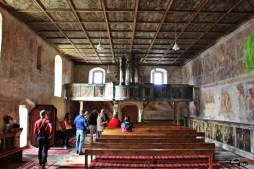 Interior la Biserica Romano Catolică din Ghelința