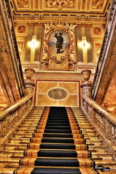Scara de Onoare din Palatul Cercului Militar Național