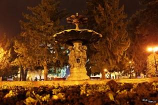 Fântâna arteziană artistică din Piața Traian