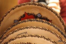 Artizanat: farfurii din lemn