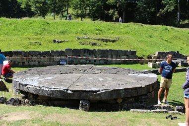 Altarul de andezit
