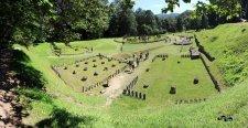 Panoramică cu cetatea dacică Sarmizegetusa Regia