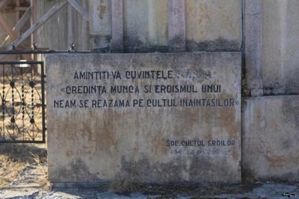 Monumente triptice (Breaza de Jos)