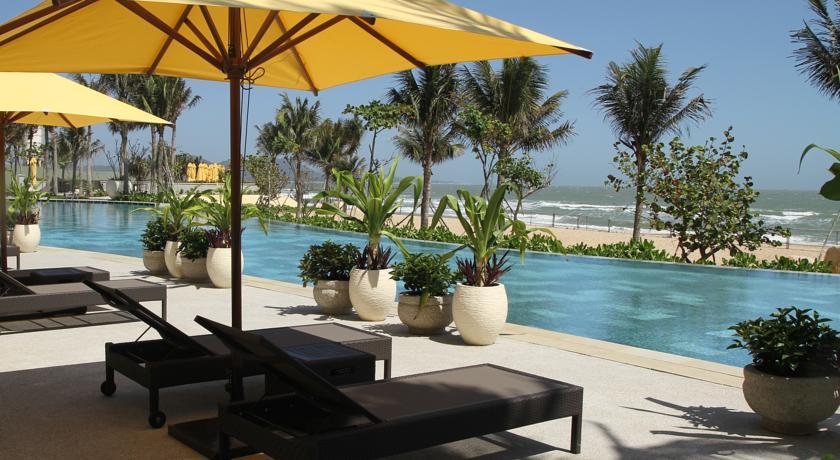 Đặt phòng khách sạn ở khu vực Hồ Cốc, Hồ Tràm để giữ giá tốt.